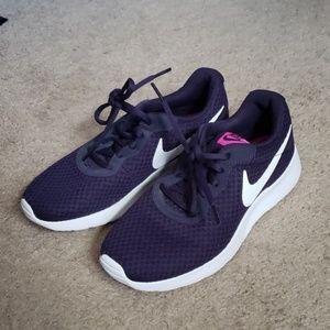 Nike womens sneakers